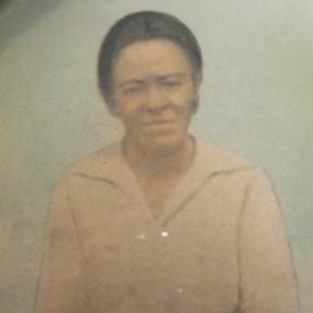 Clora Evans Atlas (1858-1928). Granddaughter or Margaret Russell.